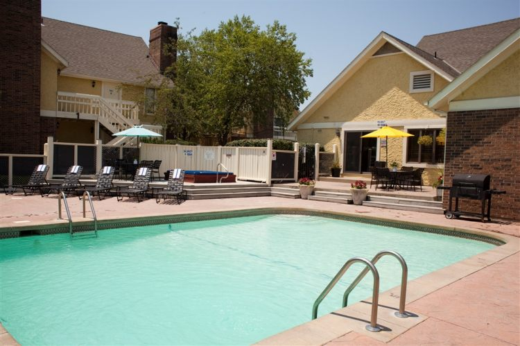 Kansas City Mo Hotels With Hot Tub In Room